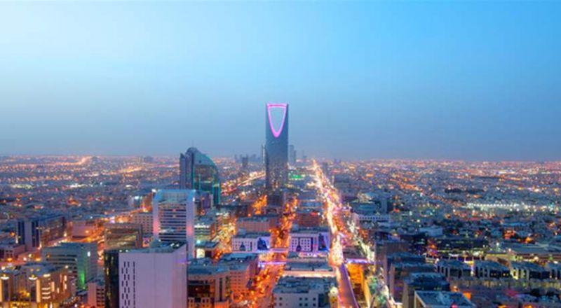 لأول مرة.. المغنية الشقراء الشهيرة ستحيي حفلا في السعودية