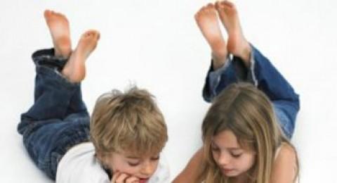 دراسة: لمواقع التواصل الاجتماعي فوائد ومخاطر على الأطفال