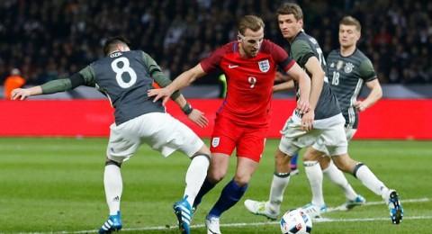 إنجلترا تفاجئ ألمانيا وتقلب تأخرها بهدفين لانتصار مثير في برلين