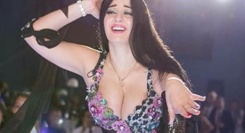 شقيقة صافيناز تنافسها على فيسبوك، فمن الأجمل؟