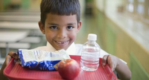 تجنبي وضع هذه مأكولات تماماً في علبة الغداء للمدرسة