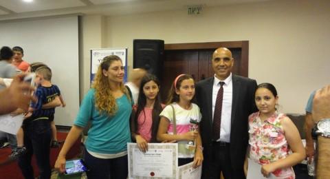 النائب حمد عمار ووزير العلوم والتكنلوجيا يرحبان بالطلاب الدروز المتفوقين