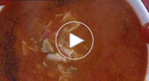 شوربة المكرونة مقدمة من مطبخ منال العالم