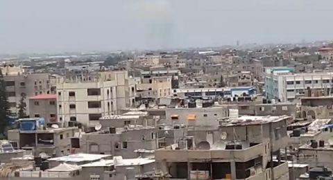 إسرائيل تصعّد بالقصف على غزة وتقصف 30 موقعًا .. و 3 مصابين إسرائيليين من قذائف المقاومة