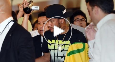 نيمار يحظى باستقبال جنوني في اليابان