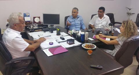 تعاون مشترك بين بلديّة شفاعمرو ووزارة الاقتصاد والصناعة لتطوير المصالح في البلدة
