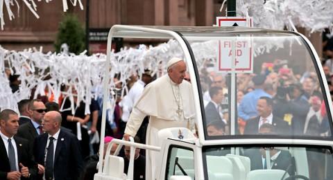 البابا فرنسيس يختتم زيارة تاريخية للولايات المتحدة الأمريكية