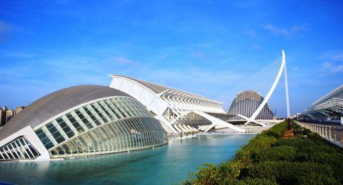 تعرفوا على مدينة فالنسيا وجهة سياحية جذابة في اسبانيا