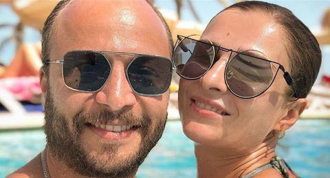 سوسن ارشيد بإطلالة جريئة بعدسة زوجها مكسيم خليل