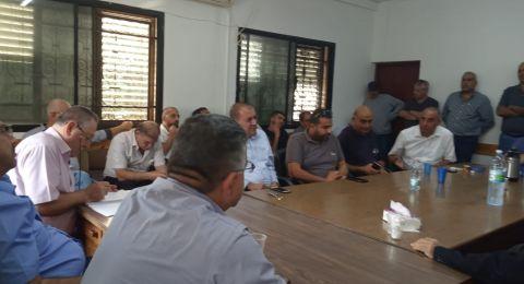 كفرياسيف تعقد جلسة، واستعدادات لوقفة احتجاجية تضامنية مع شويري
