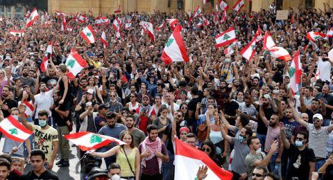 لبنان يدخل في اليوم الـ 13 من الاحتجاجات وتخوفات من أزمة اقتصادية