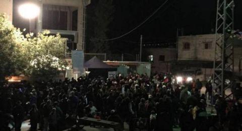 مستوطنون يقتحمون بلدة كفل حارس بحماية قوات الاحتلال