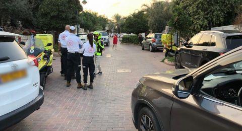 اصابة خطيرة لعامل(45 عاما)  جراء سقوطه من علو في مدينة هود هشارون