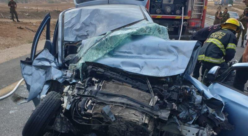 النقب: حادث طرق مروع بين مركبة وشاحنة قرب مدخل رهط