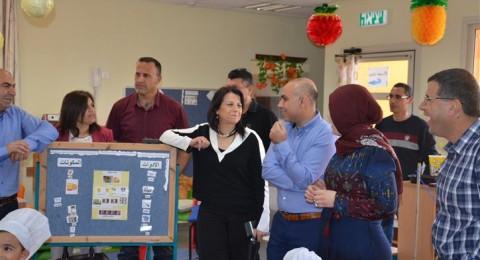 د. سمحون تتفقد المؤسسات التعليمية في كوكب ابو الهيجاء