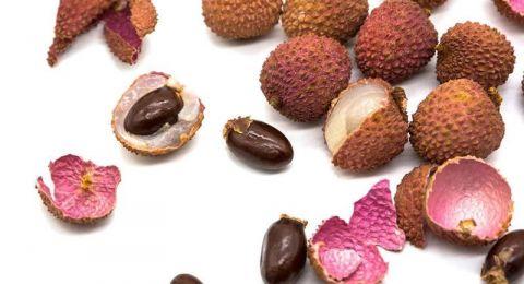فوائد فاكهة الليتشي للنساء لا تقاوم