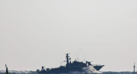 الزوارق الاسرائيلية يهاجم مراكب الصيادين مقابل بحر شمال غزة