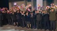 """هكذا استقبل الكوريون الشماليون زعيمهم """"كيم أونغ"""" بعد قمته مع بوتين"""