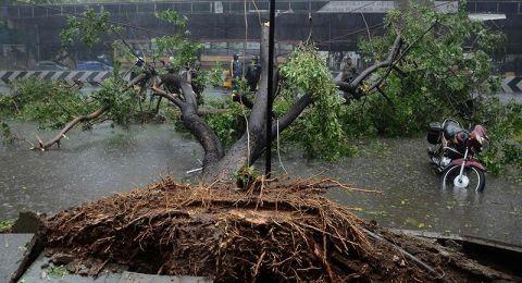 إجلاء أكثر من مليون شخص بسبب الإعصار