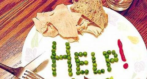 الطعام والمراهقون.. هل تعانون من هذه المشاكل مع أبنائكم؟