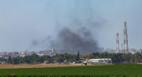 إسرائيل تغلق المعابر مع غزة وتشن غارات جوية على القطاع
