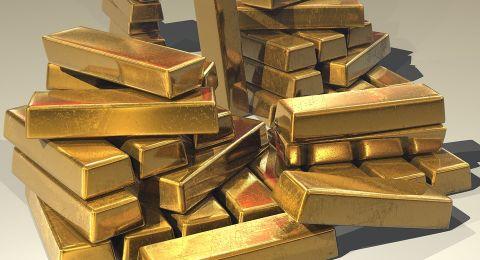 هبوط الذهب بضغط الأسهم الأميركية