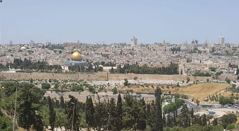 اجتماع يوم الجمعة احتجاجا على الهجمة الاسرائيلية على مؤسسات مخيم شعفاط