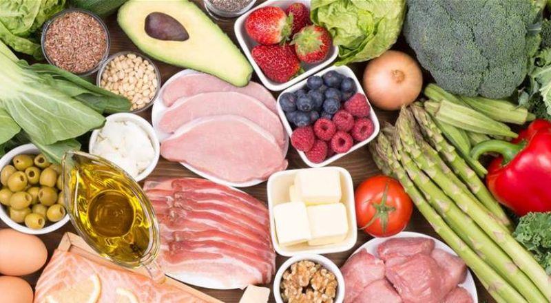 لمن يعاني من ضعف البصر.. الحلّ بـ 18 نوعاً من الأطعمة والمشروبات