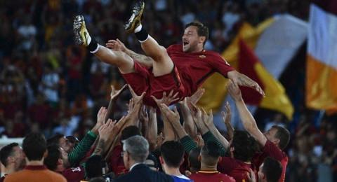 روما يصعد لأبطال أوروبا في ليلة وداع