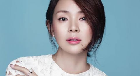 تبييض البشرة وتنعيم الشعر على طريقة المرأة الكورية