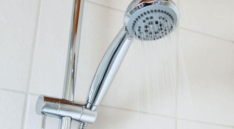 أيهما أفضل الاستحمام بالماء الساخن أم البارد؟