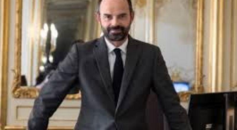 رئيس وزراء فرنسا يعلن استقالته، تعيين جان كاستيكس خلفا له