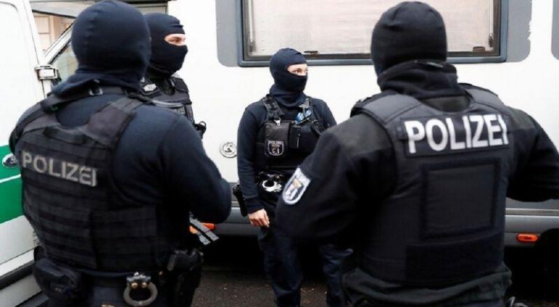 ألمانيا.. تفكيك خلية نازية كانت تخطط لهجوم على مسجد