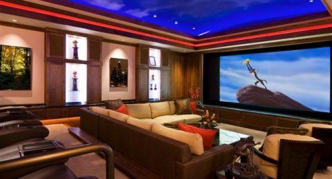 طرق بسيطة لتصميم أروع صالة سينما منزلية