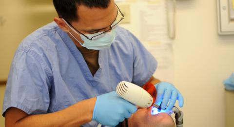وزارة الصحة تصدر تعليمات جديدة حول دورات غاز الضحك، بعد اثارة الموضوع من قبل جمعية اطباء الأسنان العرب