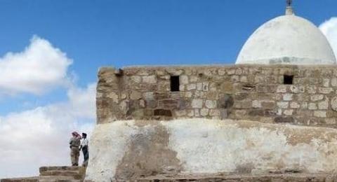 الاردن يغلق مقام النبي هارون بعد اداء طقوس يهودية فيه