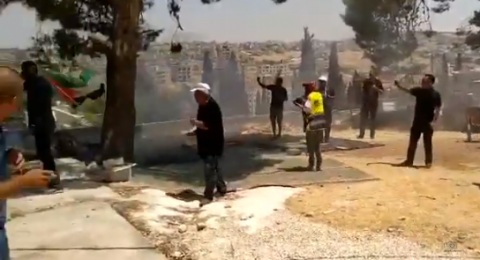 القوات الاسرائيلية تقمع المصلين بحي وادي الحمص