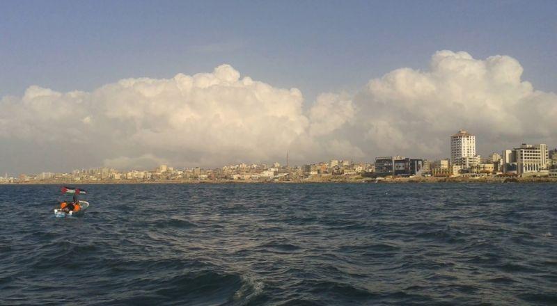 غزة: الجيش الإسرائيلي يفتح النار ومضخات المياه صوب الصيادين