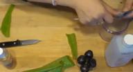مكوناته موجودة بكل مطبخ.. هكذا تصنع معقم لليدين بـ5 دقائق!