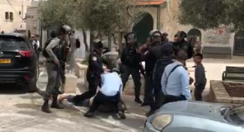 اعتداء على المصلين في العيساوية واعتقال مواطن
