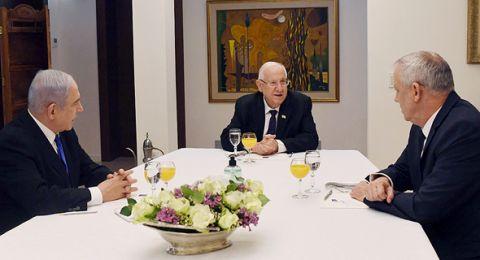 رغم تقدم المفاوضات بين نتنياهو وغانتس .. مسؤولون في كحول لافان هددون بتقديم القوانين ضد نتنياهو مجددا