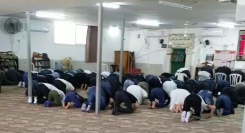 الشرطة تفرق تجمعات غير قانونية خلال نهاية الاسبوع داخل مسجد وكنيس في اللد