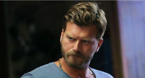 هل أُصيب الممثل التركي الشهير