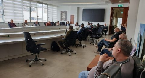 الناصرة:رئيس البلدية يجتمع بلجنة الطوارئ