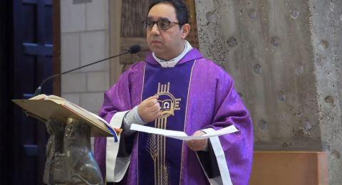 الأب دعدس: نصلي الشعانين والفصح من بيوتنا وسنعود لكنائسنا بعد مرور الغيمة السوداء