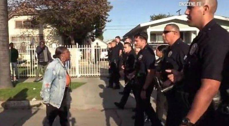"""كيف طبقت الشرطة الأمريكية قرار منع التجمعات في """"لوس أنجلوس"""" بسبب كورونا"""