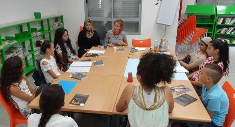 في قرية دير الأسد: الصالون الأدبي يناقش رواية فيتا مع فيتا والكاتبة ميسون أسدي