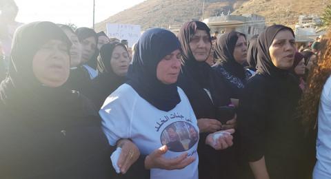 مباشر- مجد الكروم: والدة القتيلين، عائشة مناع تشارك في المظاهرة وتتحدث