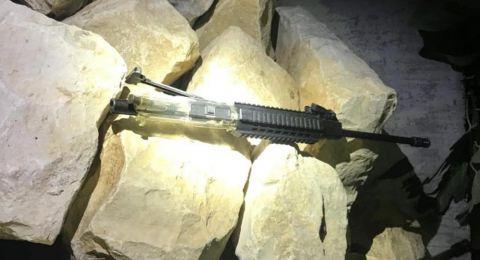 ألقاء القبض على شابين من مجد الكروم بشبهة حيازة سلاح من طراز M-16