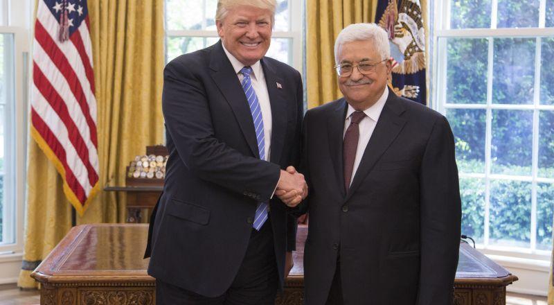 عباس يهاتف الرئيس الإسرائيلي